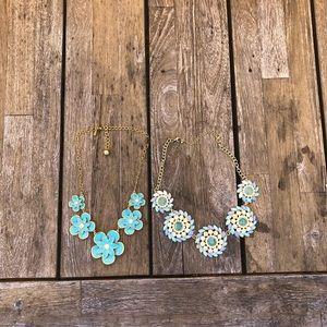 2 Cute blue necklaces!